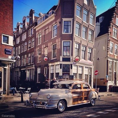 Classic #american car ? in streets of #amsterdam ?☀ #ic_cities #igholland #worldwidephotowalk #igersholland #insta_holland #mokummagazine #gf_daily #gang_family #gramoftheday #holland Amsterdam Holland American Gang_family Gf_daily Igersholland Ic_cities Gramoftheday Worldwidephotowalk Mokummagazine Insta_holland Igholland