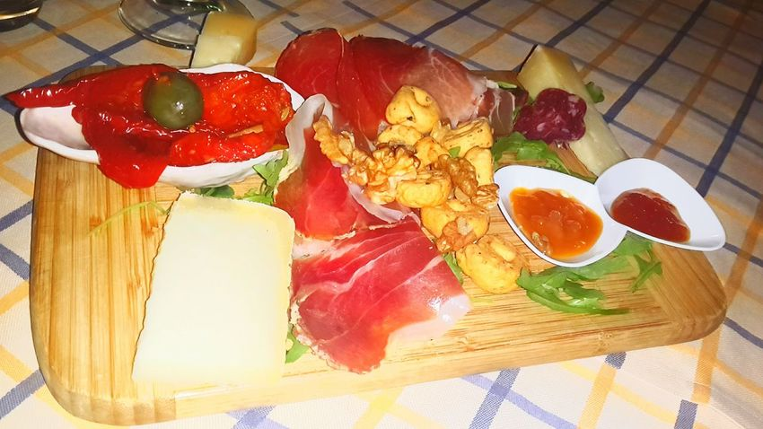 Italianfood Food High Angle View Food And Drink Table Freshness Plate Healthy Eating No People Jamon Prosciutto Crudo CountryFood Ready-to-eat Country Living Country Life