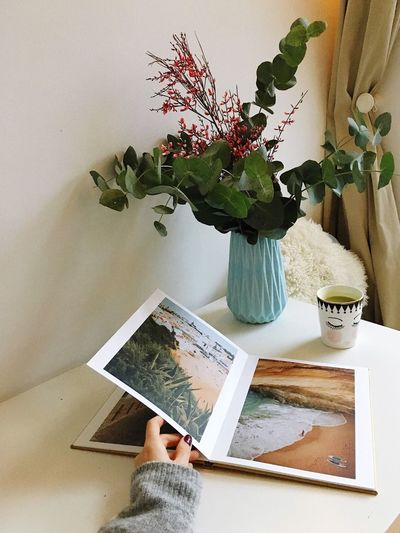 ınstagram Reading Book Cover Inspirations Memory Plant Indoors  Flower Publication One Person Flowering Plant Table Potted Plant Human Hand Book Home Interior Paper Lifestyles Vase Real People