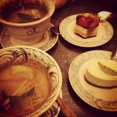 enjoying the closing time at chén chè /w dustin_thinkbigmedia #pommedesgarcons #chenche #hot #ginger #tea #delicious #dessert #patisserie #awesome #location #berlin #germany Tea Berlin Dessert Germany Awesome Delicious Hot Patisserie Location Ginger Pommedesgarcons Chenche