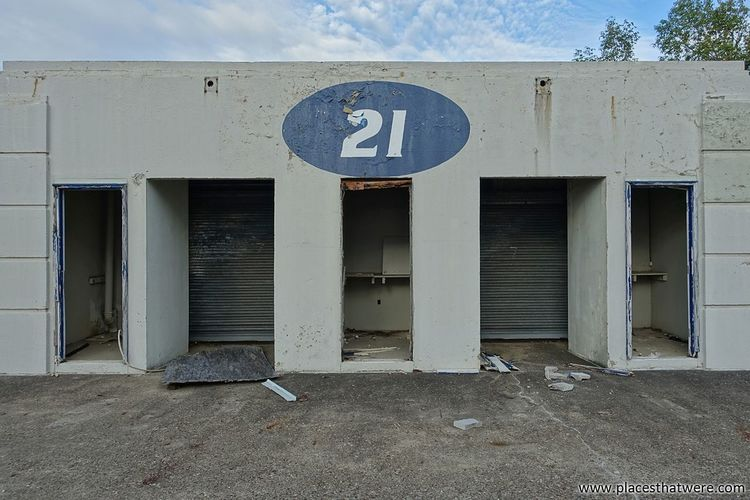 Building 21. More here: http://www.placesthatwere.com/2017/09/abandoned-rubber-bowl-stadium-akron.html 21 Architecture Sport Football Stadium Rust Belt Abandoned Places Stadium Rubber Bowl Football Abandoned & Derelict Akron Ohio Akron Abandoned Building No People Urban Decay Ruins Zips Urbex Urban Exploration Abandoned Buildings Abandoned Derby Downs Creepy Eerie