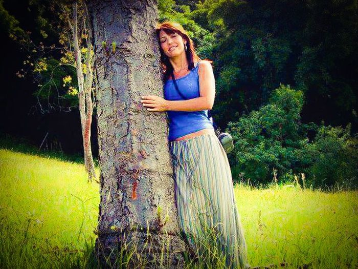 my moments...🌳🌲🌺 Naturally. Tree Portrait Standing Happiness Beautiful Woman Smiling Full Length Young Women Grass Tranquility Tranquil Scene Calm