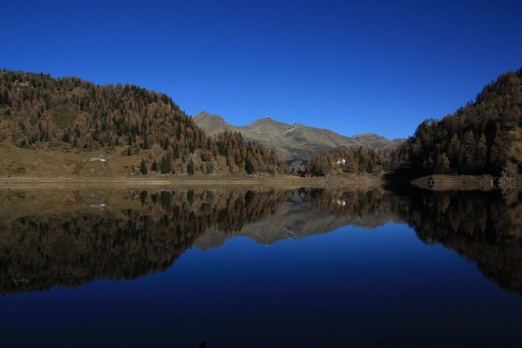 Lago Tremorgio Svizzera Sentierando Trekking Riflessi Autumn Colors The Magic Mission