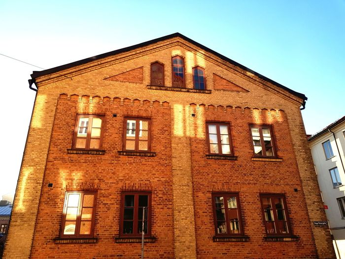 Sun Wall bricks Architecture Window Building Exterior No People Outdoors Clear Sky Sky Happy House Golden House