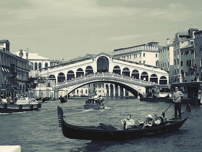 Canale Grande look at the Rialto Bridge Venice Italy Life In Motion Lifestyles Telling Stories Differently Capture The Moment Sealife Feel The Moments Gondoliere Gondola Boats People Together People Vintage Seascape Gondole In Venice Historic History Historical Place Canal Life Sea Life Summer Views
