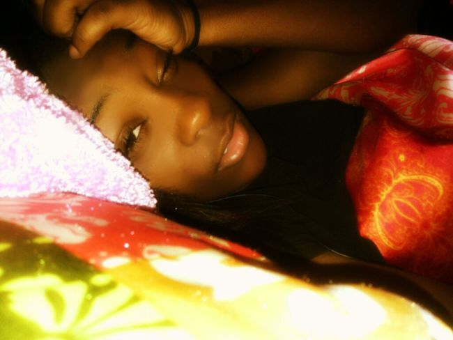 People Be Like You Look High Af' I'm like Nah I'm just Sleepy Af'! I had a Goodass Weekend!:P Laying In Bed Am I Cute Yet? Chill Mode , Likee My Pic : )