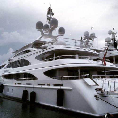 Antibes Quai Des Milliardaire Bateaux Riches Boat Milliardaire