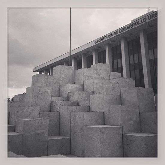 #igers #igersgdl #igersmexico #landmark #cubos #cubes #willow #escultura #monumento Landmark Monumento Escultura Willow Igers Cubes Igersmexico Igersgdl Cubos
