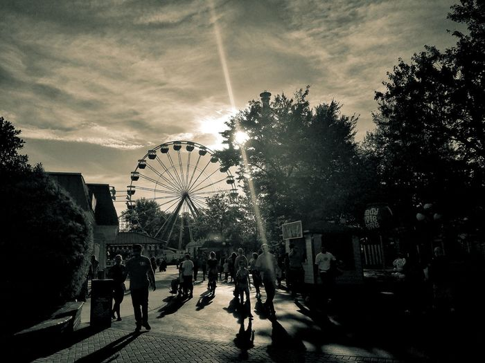 Kingsdominion Large Group Of People Adult Outdoors People EyeEm Selects Travel Destinations Doswell Virginiaphotography Buildings Architecture Ferris Wheels Ferriswheelinthecity🎡🎢 Sunset Silhouettes