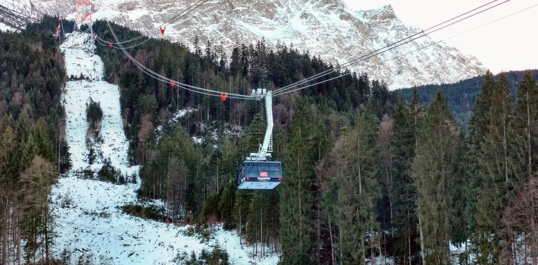 🚠🚠🚠🗻🗻🗻☀️☀️☀️❄️❄️❄️👍👍👍 Cable Car Tree Growth Nature Outdoors Day No People Beauty In Nature Snow
