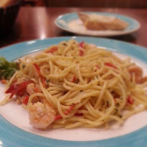 Early Dinner Prawn Aglio olio @fratinikb