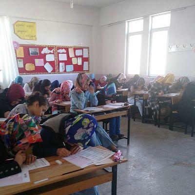 AGD'nin Bozkır'da Bimder sponsorluğunda gerçekleştirdiği Siyeri Nebi yarışmasında 12 farklı sınıfta sınavlarını gerçekleştiriyor. Tüm öğrencilerimize başarılar dileriz. Yakupcetincom Bimder AGD Bozkır Konya