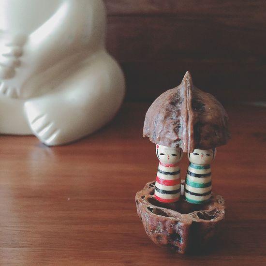 \胡桃の豆こけし/ こけし、好きです。 普通のこけしより、豆こけしのほうが可愛らしくて好きです。 胡桃のなかに入った豆こけし。 ヒトメボレしたよ●´ᆺ`●♡ こけし好きと言っても、まだふたつしか持ってないんだよ ·͜· ✻ こけし 豆こけし 置物 胡桃 くるみ くるみ しろくま貯金箱 北欧雑貨 ぬい撮り ぬいどり