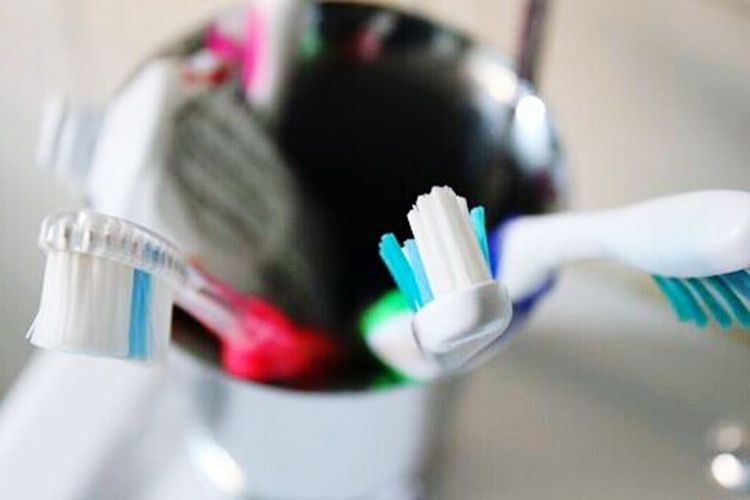 Toothbrush Toothpaste Random Randomshot Macro Photography Strange Whynot Why Randomphoto Random_Pics