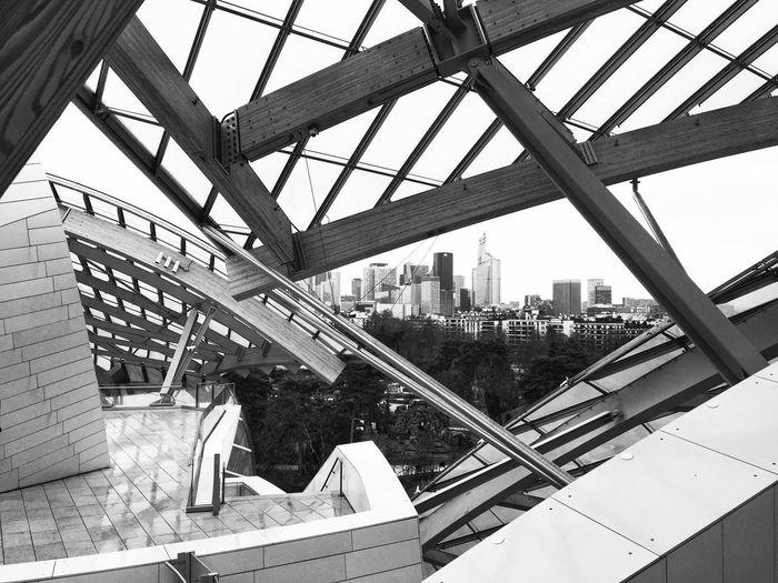 Bnw_worldwide Bnw_captures Bnw_collection Urban_geometrics Bnw_friday_eyeemchallenge Architecture Built Structure City Day Modern Skyscraper Cityscape