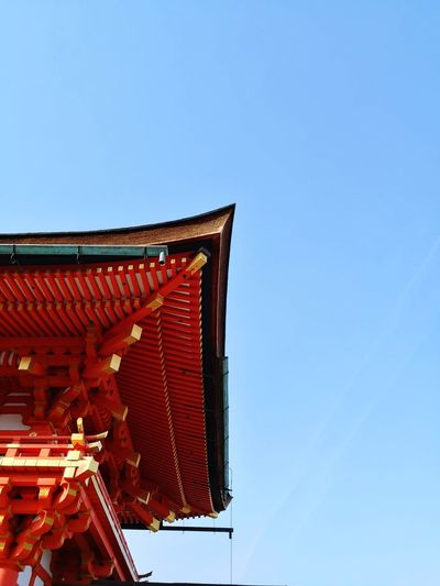 Perspective Perspective Travel Travel Destinations Fushimi Inari Taisha Fushimi Inari Shrine Japan Kyoto Shrine Fushimi Inari Taisha Shrine Travel Photography Low Angle View Architecture Clear Sky Red No People Outdoors Day Sky Building Exterior Built Structure Blue Roof