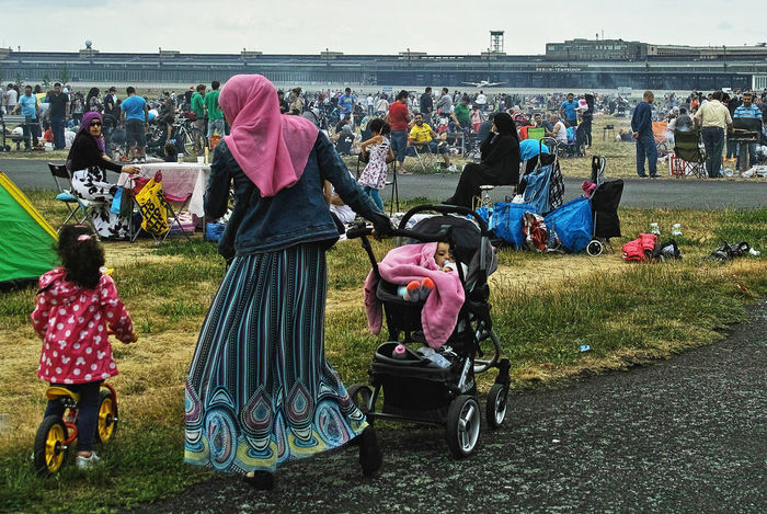 Streetphotography Colorphotography Barbecue Berlindeyasam at Tempelhofer Feld Protecting Where We Play Street Close Up Capture Berlin