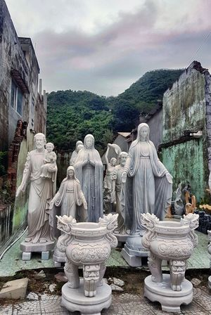 Statue Sculpture Cloud - Sky No People Outdoors Maria Holy Relegious Vietnam Marble Mountains