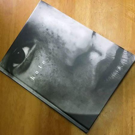 安価で手に入った、ケイトモスの写真集。 素敵やなぁ〜。 Katemoss ケイトモス モデル Model 写真集 Photooftheday Photo Photographs Team_jp_ Japan Instagood Icu_japan Ig_japan Ig_nihon Jp_gallery Japan_focus