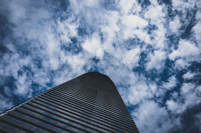 lookup ICC Buildings ICC Discoverhongkong Leicaq Sky And Clouds Skyporn Hello World Life In Motion Walking Around From My Point Of View EyeEmNewHere EyeEm Gallery Shadow And Light EyeEm Masterclass Travelling Photography Taking Photos Fantastic Amaging Skyscape Clouds HongKong Cityscapes Landscapes Lookup