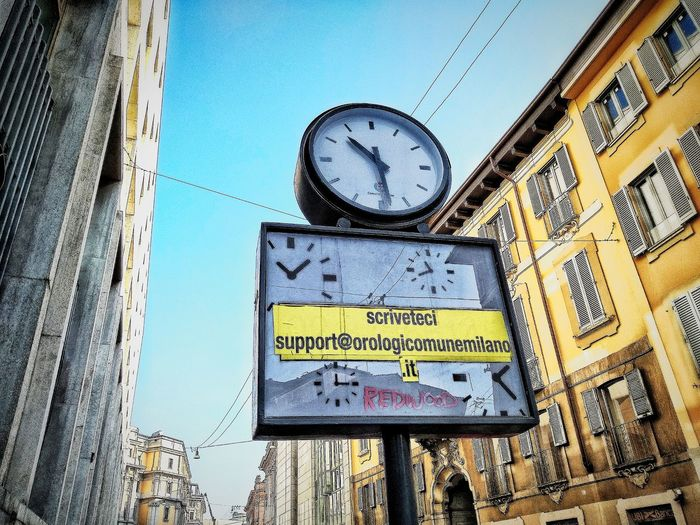 Via Bocchetto, Milano, Febbraio 2019 Hdr_Collection Urban City Sky Street Street Clock Low Angle View Architecture Building Exterior Built Structure
