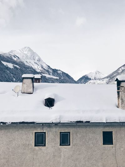 Tirol  EyeEm Selects Snow Cold Temperature Mountain Winter House Architecture Built Structure Building Exterior Outdoors Sky No People Nature Snowcapped Mountain Day Landscape Beauty In Nature Range