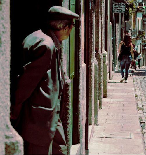 Streetphotography Street Photography Street Streetphoto_color Streetphoto Porto Portugal Real People Outdoors Women Men Lifestyles People