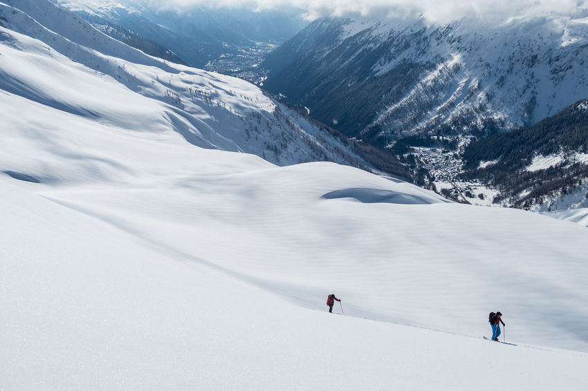 Ski Touring Adventure Backcountry Snowboarding Beauty In Nature Cold Temperature Day Landscape Lifestyles Mountain Mountain Range Nature Outdoors Real People Scenics Ski Holiday Skiing Snow Snowcapped Mountain Splitboarding Sport Tranquil Scene Tranquility Vacations Winter