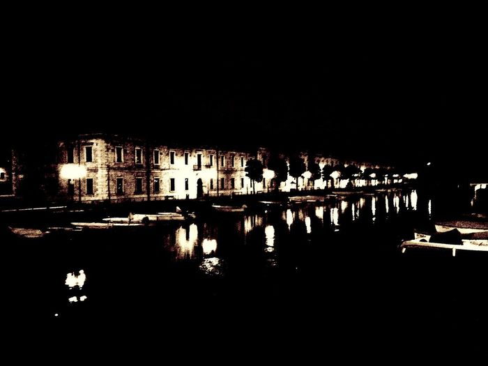 Reflection Lake EyeEmNewHere Reflection Photography Reflection In The Water Peschiera Del Garda Garda Lake Gardasee,Italien Gardalake PeschieraDelGarda Building Exterior Architecture Built Structure Night Water Illuminated Building Reflection EyeEmNewHere