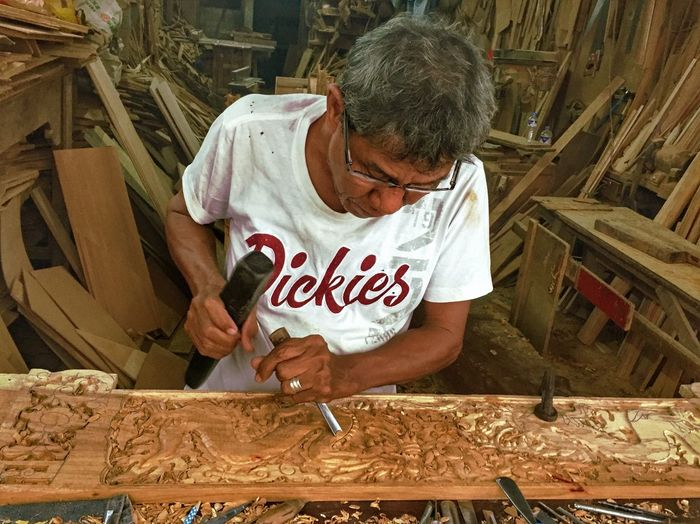 Senior Adult One Man Only Only Men Workshop Adults Only Senior Men Business Stories One Person Wood - Material Working Seniors Craftsperson Occupation Adult Men One Senior Man Only People This Is Masculinity This Is Aging