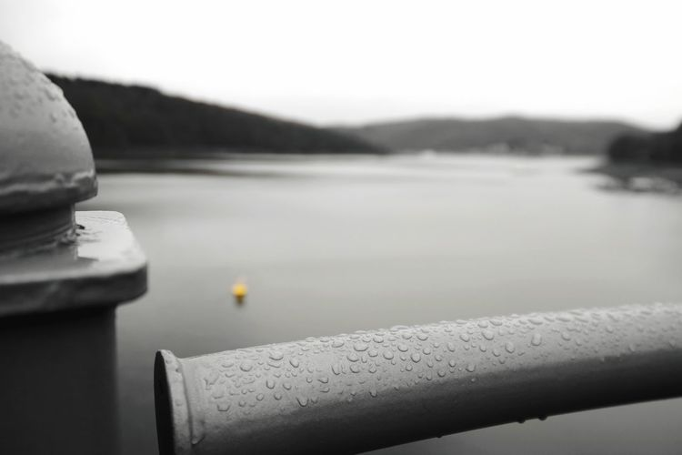 drops Edersee Germany Edersee Sperrmauer Colorsplash Focus On Foreground My Point Of View Water Lake Winter Cold Temperature Sky Close-up Rainy Season Rainfall Wet RainDrop Weather