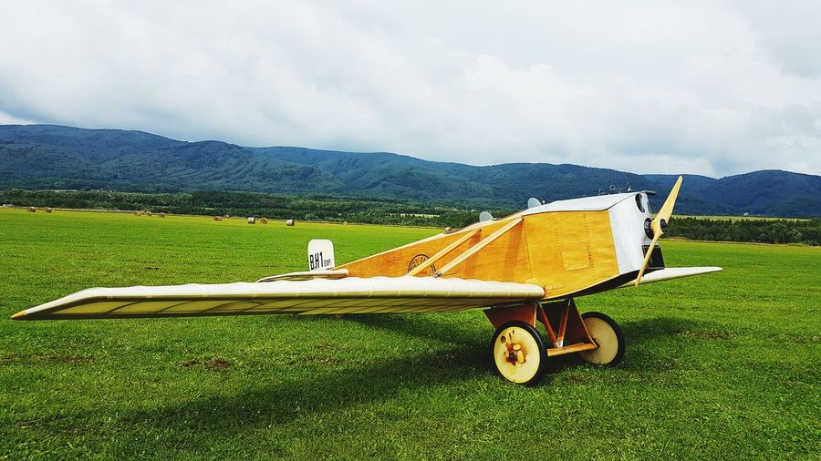 Cloud - Sky Grass Plane Day Mountain Nature Sky Old Old Plane Outdoor Airshow No People Wood - Material Retro Styled Czech Republic🇨🇿 Samsung Galaxy S7