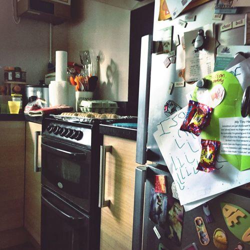 Domestic Kitchen Domestic Room Indoors  Home Interior Kitchen Cooker Stove Fridge Refridgerator Fridge Freezer Home No People Papers Fridge Magnets