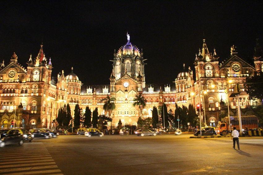 Mumbai Mumbailife Mumbaimerijaan MumbaiDiaries Mumbai_in_clicks Mumbai_uncensored Night Life Night Photography Lights CST Night Lights Welcome To Black