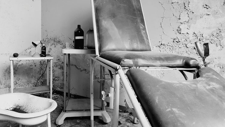Old Hospital Equipment Iron - Metal No People Obsolete Hospitals Destruction Abandoned Lost Places Urbexphotography Urbexexplorer Urbexphotography Abandoned Urbex Italia