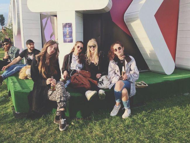 Göörls Hanging Out Pitchfestival Amsterdam Auf Wolke 7