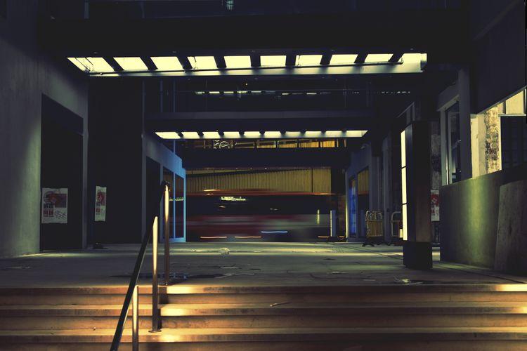 light and shadow Studio Studiophotography EyeEm Best Shots EyeEm Gallery Eyeem4photography City Architecture Built Structure Illuminated Passageway