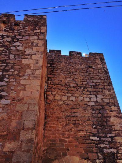 Discovering Alpuente Castle