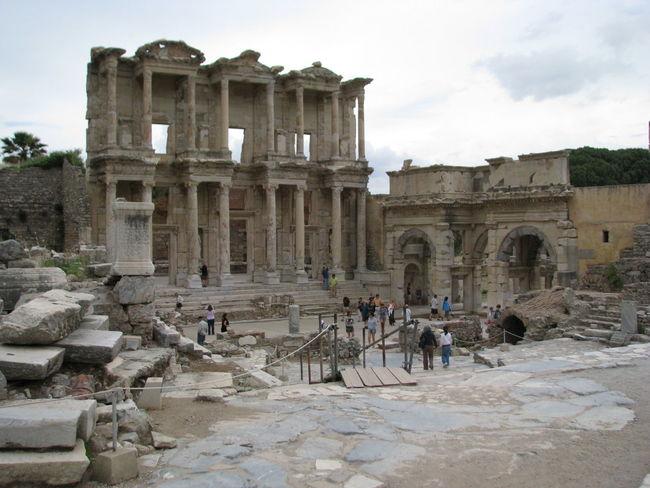 Turkey, Efesus, abril/2010 Ancient Ancient Civilization Building Story Efesus Outdoors Temple Tourist Travel Destinations Turkey