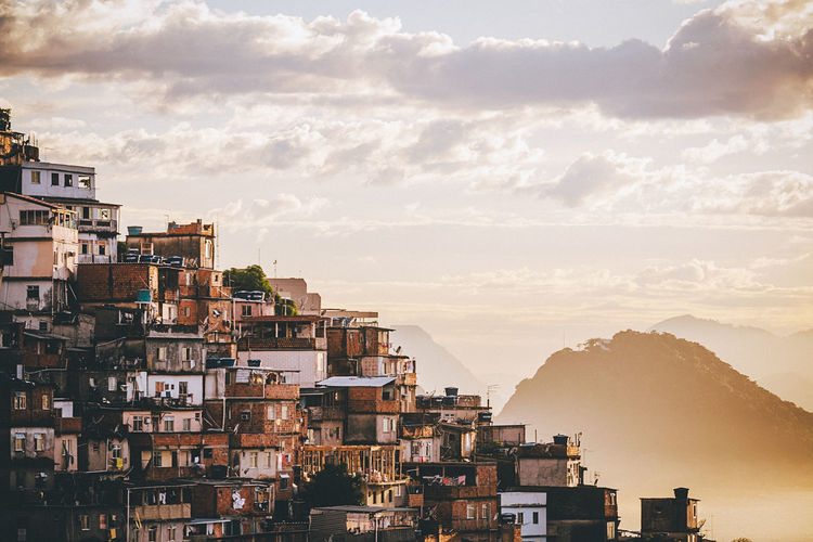 Favela Cantagalo, Rio de Janeiro - Brazil Chaos City City Life Cityscape Rio De Janeiro Rio De Janeiro Eyeem Fotos Collection⛵ Architecture City Day Dense Density Density Of Population Favela Favelas Hill Morro Nature Outdoors Poverty Slum Slums Sunrise Tropical Tropical Climate Warm