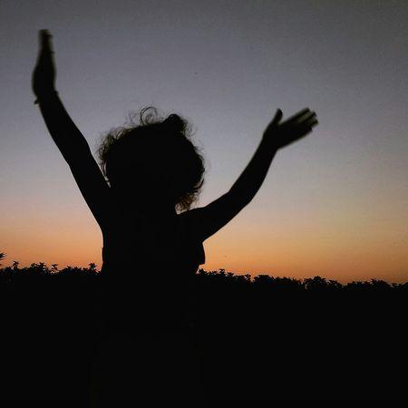 La libertà di vivere che solo i bambini hanno. Hello World Enjoying Life Children Liberty Happyness Peace Lifeisbeautiful