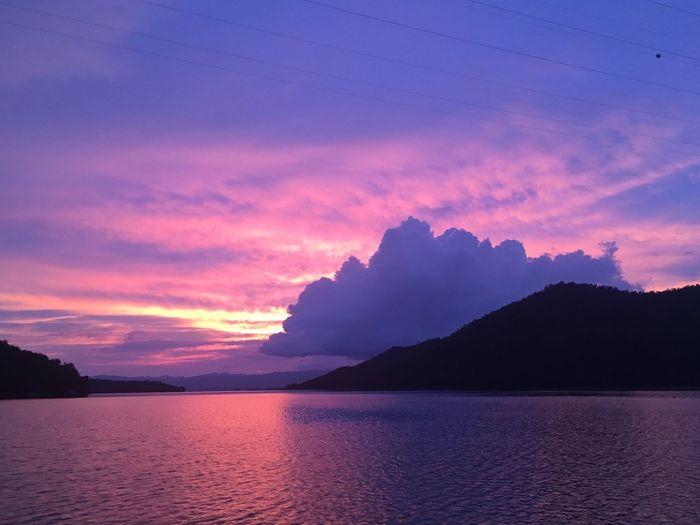 ข้ามแพ ทางผ่าน No People Sky Blue Sky And Clouds Vanilla Sky กาญจนบุรี น้ำ เขื่อน คำ เย็น แพขนานยนต์ ศรีสวัสดิ์ เขื่อนศรีนครินทร์