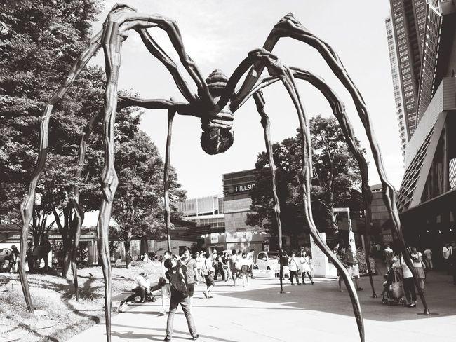 六本木ヒルズのオブジェ Japan Streetphotography Blackandwhite