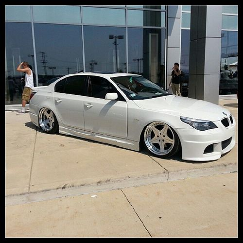 @real_no_bulto dam bro he's killing you Lol Slammedsociety Jdmchicago Chicago Nycalive bmw low lowcarproblems bagged aboutthelife