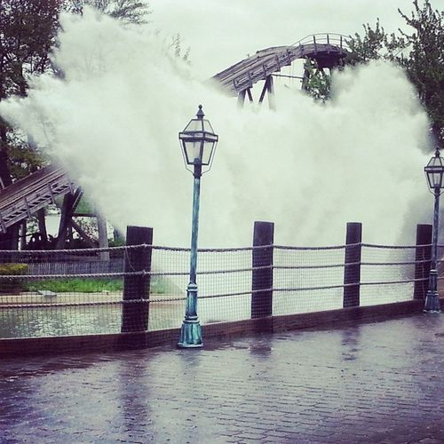 The aftermath of The Boston Tea Party, water attraction at Canobie Lake Park. Canobielakepark Salemnh Bostonteaparty Soaked Fun GoodTimes Ohmygoodness