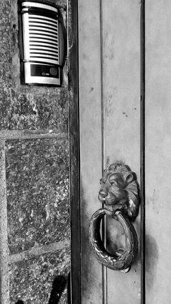 Paradoxo Porta Door Aldrava Pretoebranco Blackandwhite Monochrome Mobilephotography Motog