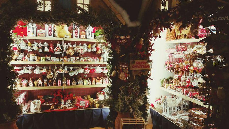 Natale commerciale Christmas Decorations Christmas Time Christmas Ornament Christmas Is Coming Marketplace Noël Natale  Mercatino Di Natale Decoration Decorazioni Natalizie Joy Joyful Warm Feeling Gioia