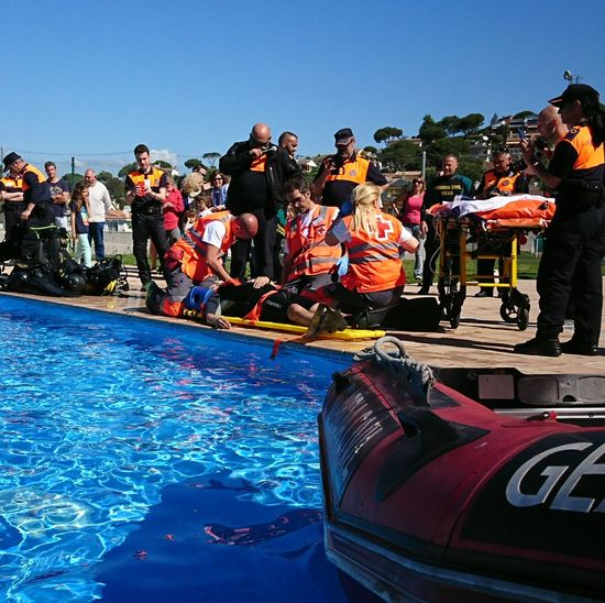 Jornadas de Protecció Civil Water Outdoors Rescate ProteccionCivil Jornadas Simulacro Cruzroja  GuardiaCivil