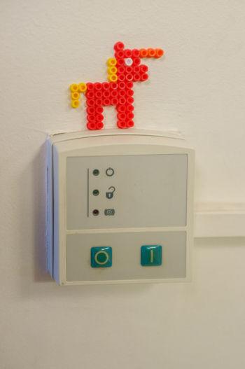 Bügelperle Unicorn Alarm Electricity  Ministeck Protection Still Life Wall - Building Feature Western Script