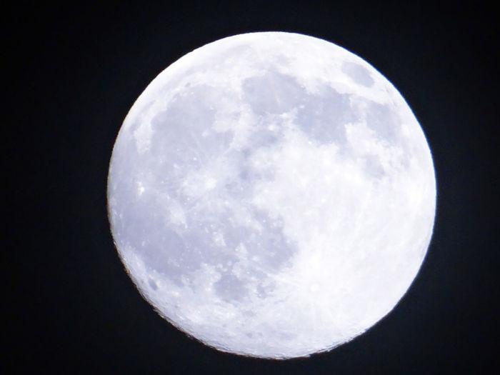 EyeEm Nature Lover EyeEmNewHere Beauty In Nature Close-up Dark Full Moon Moon Moon Surface Moonlight Night Sky